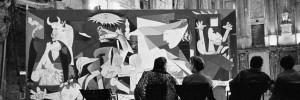 picasso-a-milano-visitatori-alla-mostra-di-picasso-la-guernica-nel-1953-a-milano-in-sala-delle-cariatidi-rossella-farinotti-labrouge